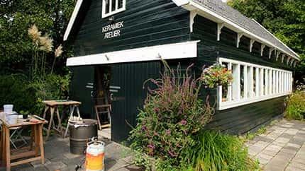 Keramiekatelier Carla Huson is een locatie tijdens de Kunstroute Aalsmeer